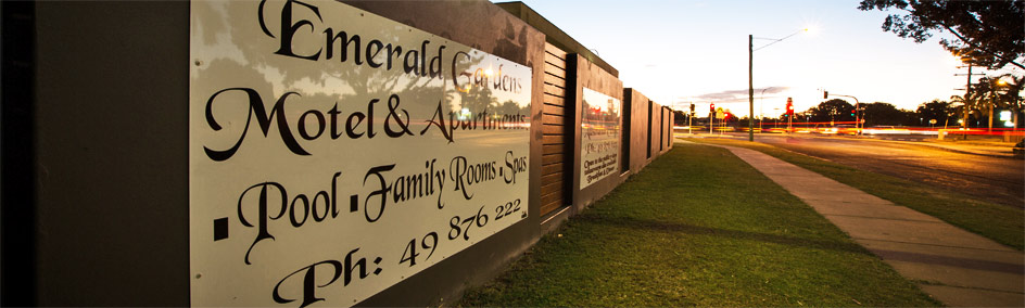 Emerald Gardens Motel & Apartments is walking distance to the hospital, shopping centers, cinemas, restaurants and bars, fast food  and sporting facilities